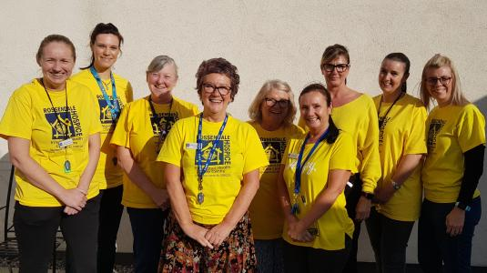 Hospice staff & volunteers wearing yellow to support Hospice Care Week