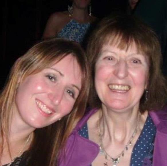 picture of Joanne and her late mum Susan